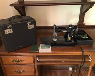 Vintage Singer Portable Electric Sewing Machine 3-110 Volts