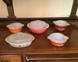 Decorative Pyrex Bowls with Lids