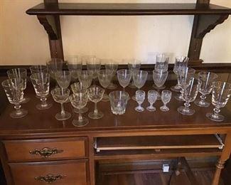 Assortment of crystal/glassware
