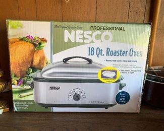 #36Nesco 18 qt roaster oven $30.00