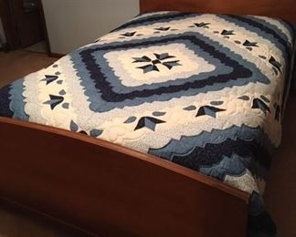 Full bed and handmade quilt