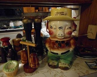 Roseville, Sheriff from 1950, (cookie jar)