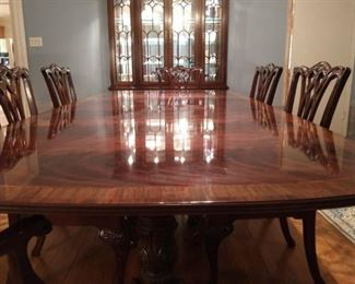 Drexel heritage pedestal dining table shown with 2 leaves