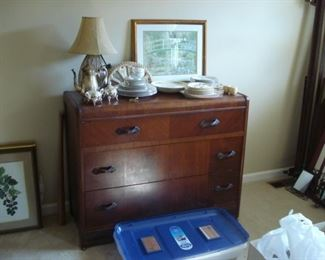Circa 1930s  4 drawer chest