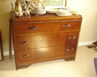 circa 1930 s 4 drawer chest