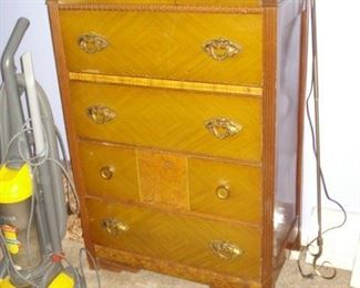 Circa 1030s 4 drawer chest