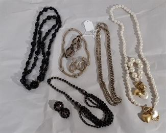 Costume Jewelry Lot #: 70