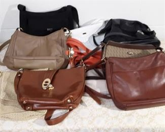 Lot Of Purses Lot #: 86