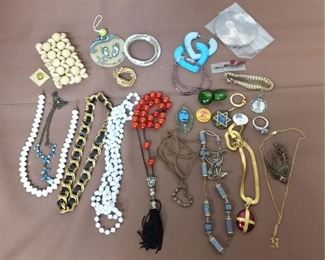 Costume Jewelry Lot #: 87
