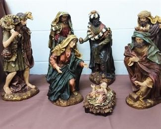 Large Nativity Set Lot #: 100