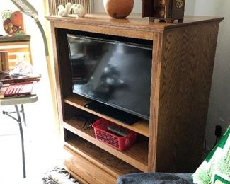 Nice entertainment center and flat screen TV