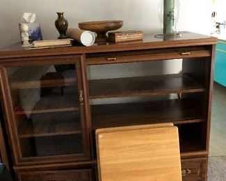Another great entertainment center and two nice TV trays.