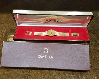Omega Vintage 14K Yellow Gold Ladies Bracelet Watch Windup