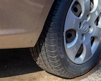 2007 Kia Spectra — Rebuilt Title — New Tires — New Radiator — New Alternator