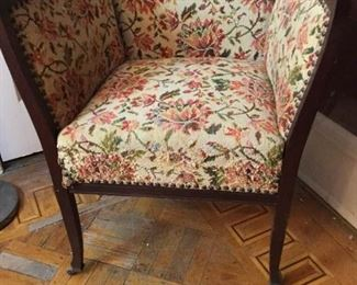 Square Chair https://ctbids.com/#!/description/share/274657