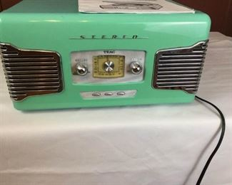 AM/FM Stereo with turntable  https://ctbids.com/#!/description/share/274658
