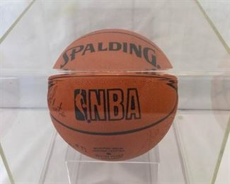 Signed L.A. Lakers Basketball https://ctbids.com/#!/description/share/269236