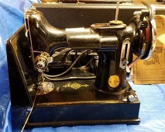 Singer Featherweight (this one has no case....)