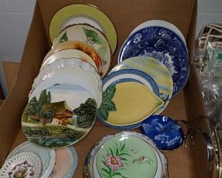 Assorted plates by various makers including Wedgwood