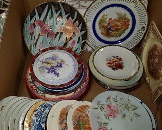 Assorted plates for food or decorative uses