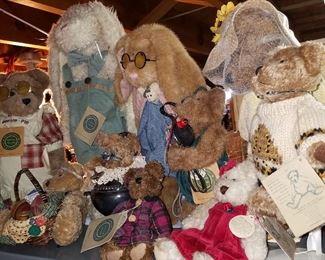 Boyd's bears & bunnies