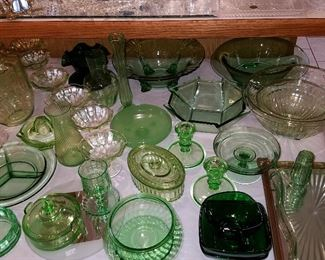 Kitchen & depression glass, including some quality items