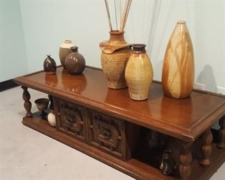 Vintage coffee table and handmpade pottery