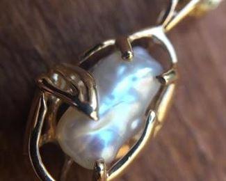 Single Freshwater Pearl Necklace https://ctbids.com/#!/description/share/274620