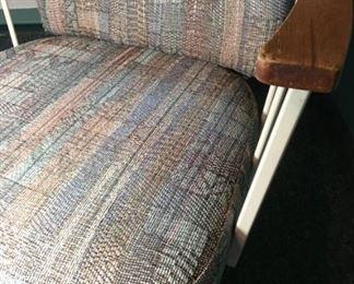 2 MCM Chair Detailmin