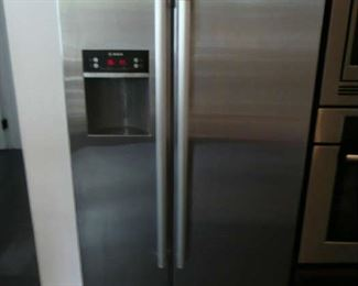 Bosch Side by Side Refrigerator in Stainless Steel, Counter Depth.