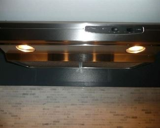 Allure I Series 30 in. Convertible Under Cabinet Range Hood with Light in Stainless Steel. $100.00