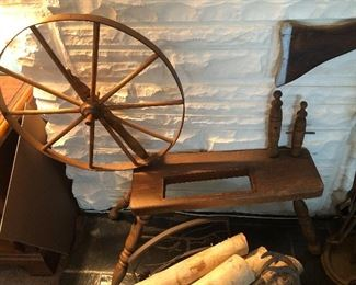 Reproduction spinning wheel