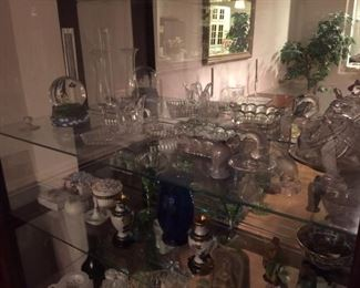 more items for decorating or entertaining