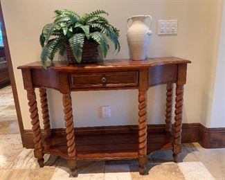 Side table. Excellent condition