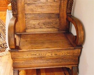Gorgeous oak bench