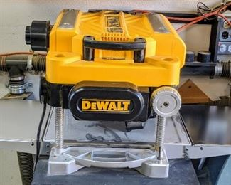 Brand new planer, never had a board through it.