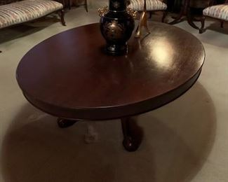 Beautiful antique oval coffee table