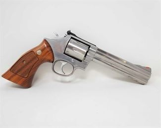 """725: Smith & Wesson 686-3 .357 Mag Revolver with Box Serial Number: BPC7547 Barrel Length: 6"""""""