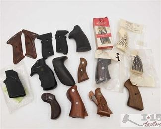 #921 • 15 Assorted Sets of Grips