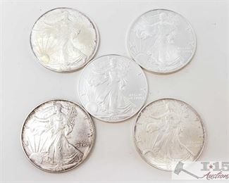 #2046 • Five .999 Fine Silver $1 Walking Liberty 1oz Coins 1193, 2001, 2004 and two 2005 Walking Liberty Coins