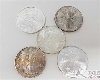 #2048 • Five .999 Fine $1 Silver Walking Liberty 1oz Coins  1986  1990 2001 2004 and 2015