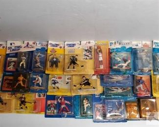 #4575 • Approx 25 Starting Lineup Figures with Players Card