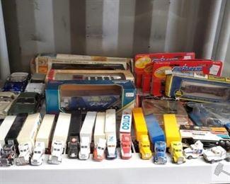 #4587 • Vintage Model Cars, Trains, Semi Trucks and Planes