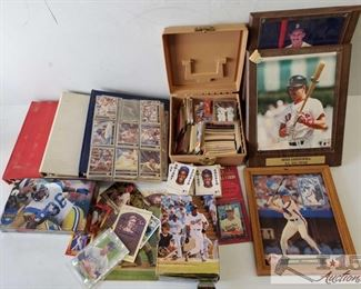 #4590 • Football/Baseball Trading Cards and Pictures