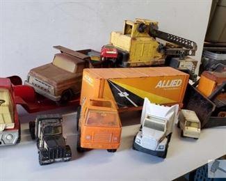 4602:  #4602 • 10 Vintage Tonka Truck Toys