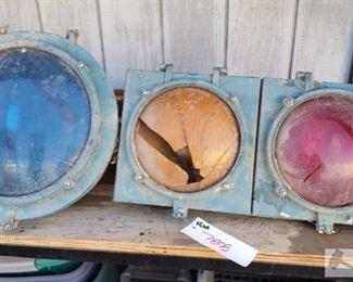 #7808 • Vintage Econolite Traffic Light