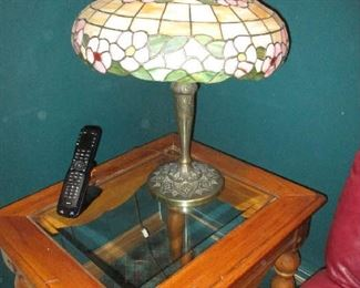 End table and tiffany-style lamp