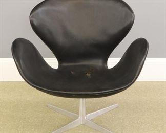 """Arne Jacobsen for Fritz Hansen """"Swan"""" chair"""