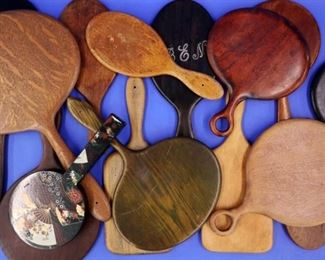 Hand mirrors (18 total)