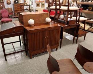 Willet Dining Set, Hepplewhite Desk, MidMod Atomic Lamps